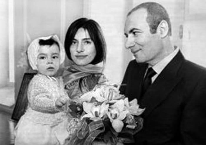 Композитор с первой женой Еленой и сыном   Фото: stuki-druki.com
