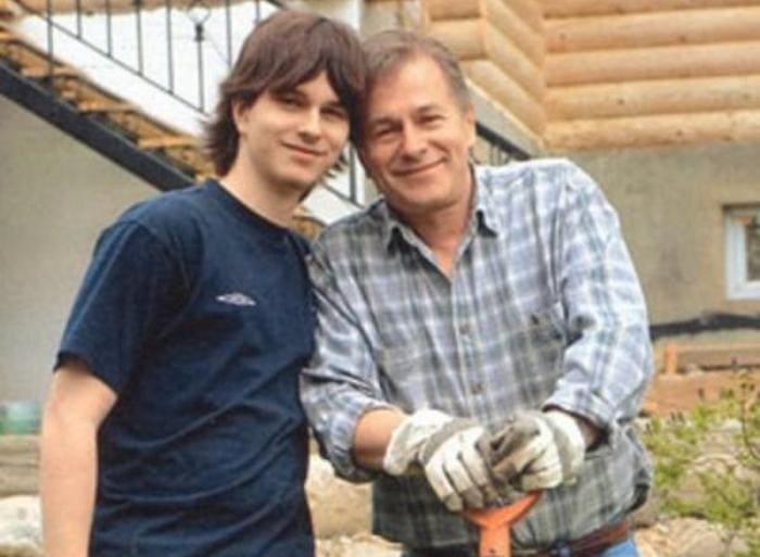 Актер с сыном | Фото: 2aktera.ru