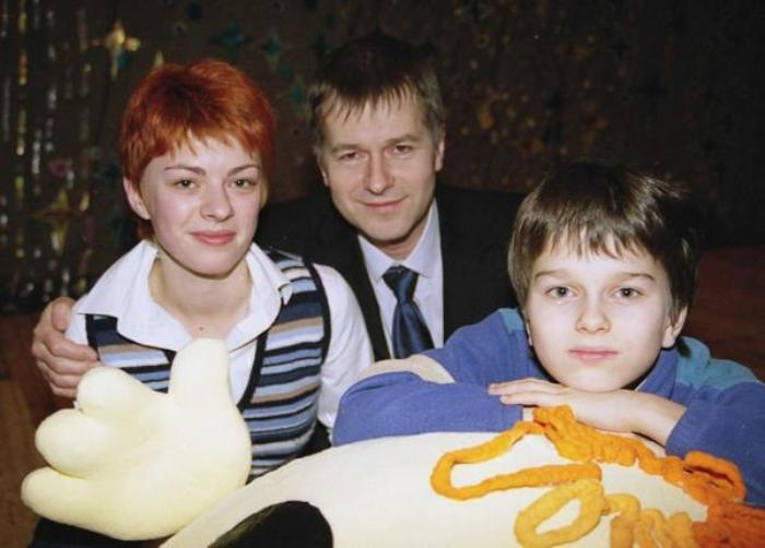 Актер с женой и сыном | Фото: 2aktera.ru