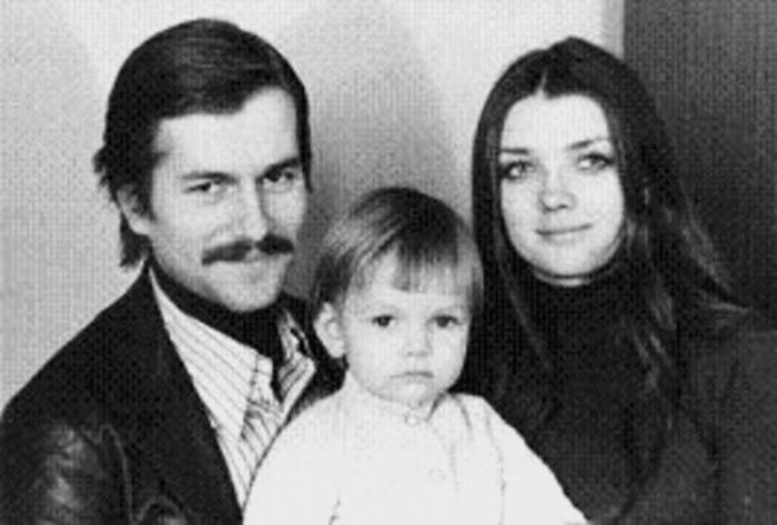 Актер с первой женой и дочерью | Фото: 2aktera.ru