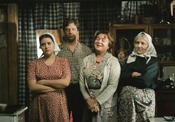 Кадр из фильма *Любовь и голуби*, 1984   Фото: kino-teatr.ru