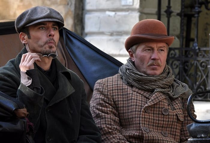 Кадр из сериала *Шерлок Холмс*, 2013 | Фото: wday.ru