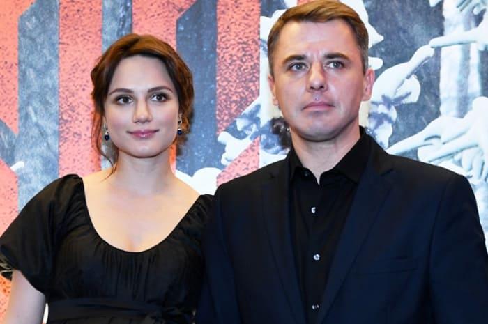 Актер с третьей женой, Кристиной Бродской, в 2016 г. | Фото: aif.ru