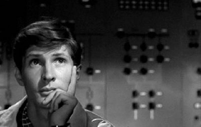 Игорь Ясулович в фильме *Девять дней одного года*, 1961 | Фото: kino-teatr.ru