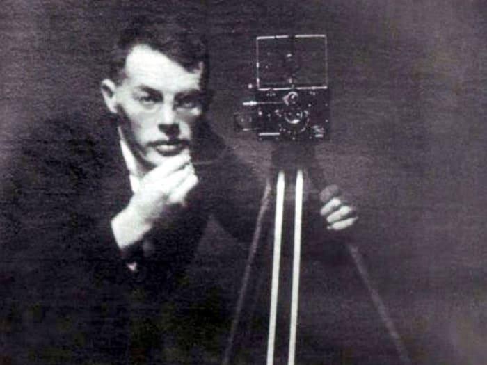 Еще одной страстью писателя была фотография | Фото: chtoby-pomnili.netф