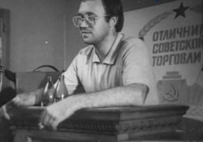 Поэт, переводчик, издатель Илья Кормильцев | Фото: chtoby-pomnili.com