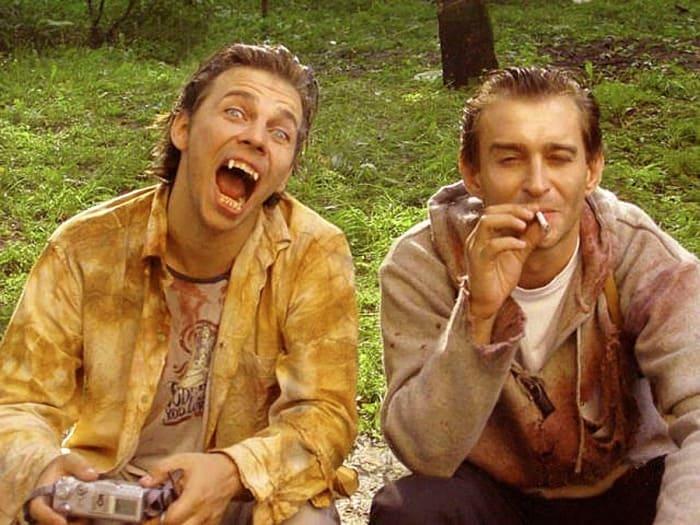 Илья Лагутенко и Константин Хабенский на съемках фильма *Ночной дозор*, 2004 | Фото: dubikvit.livejournal.com