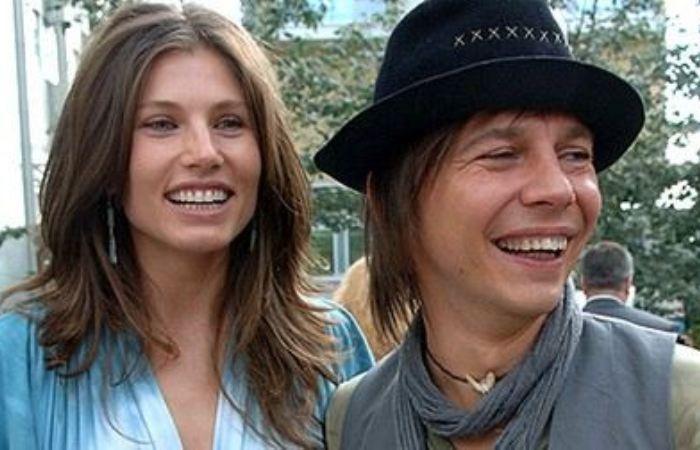 Музыкант с женой Анной Жуковой | Фото: uznayvse.ru
