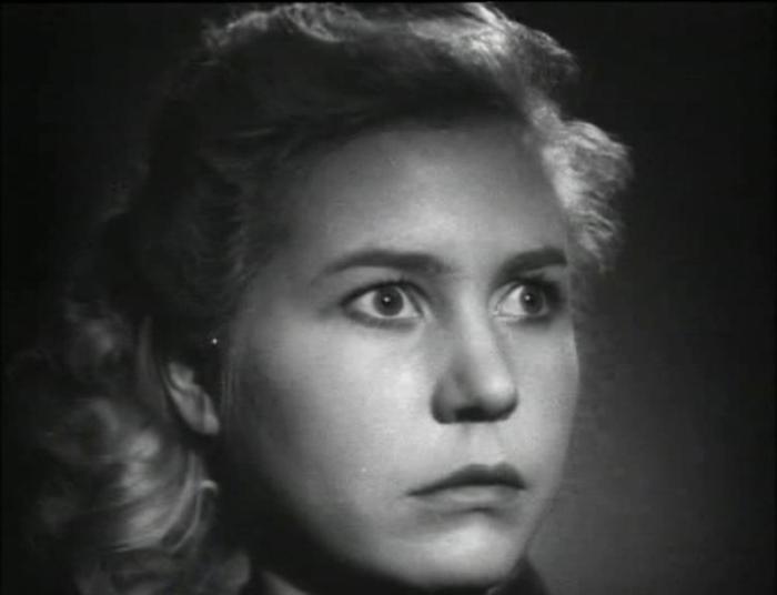 Инна Макарова в фильме *Молодая гвардия*, 1948