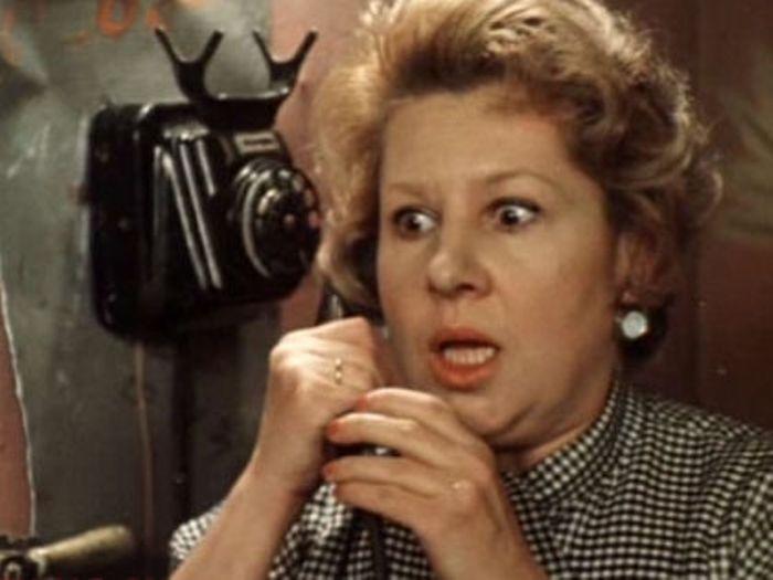 Инна Ульянова в фильме *Покровские ворота*, 1982 | Фото: sobesednik.ru