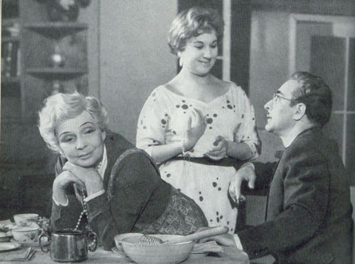 Инна Ульянова в спектакле *Мы тоже не ангелы*, 1958 | Фото: kino-teatr.ru