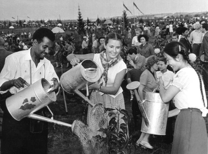 Московский фестиваль молодежи и студентов, 1957   Фото: novosib-room.ru