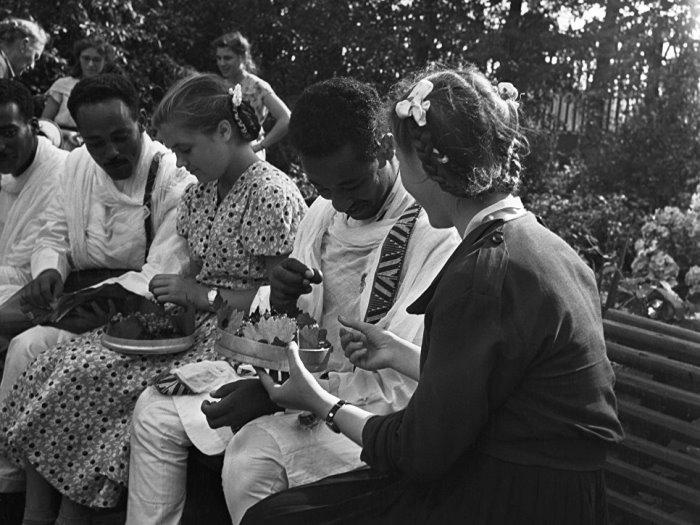 Участники делегации из Эфиопии во время 6-го Всемирного фестиваля молодежи и студентов в Москве, 1957   Фото: ria.ru