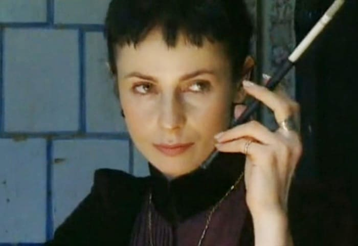 Ирина Апексимова в сериале *Империя под ударом*, 2000 | Фото: kino-teatr.ru