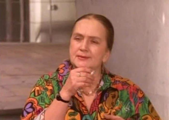 Ирина Бунина в сериале *День рождения Буржуя*, 1999   Фото: kino-teatr.ru