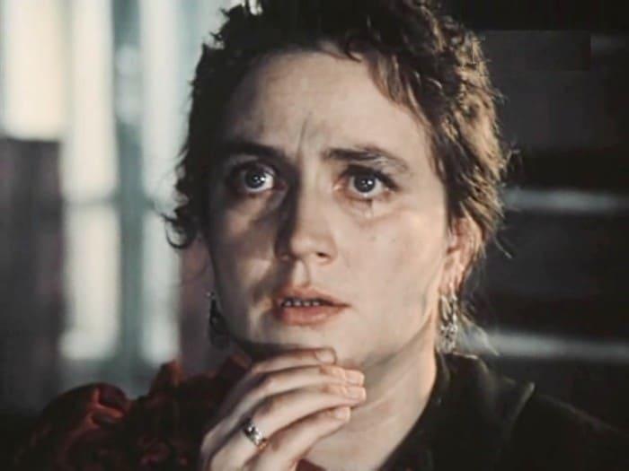 Ирина Бунина в роли Лушки в фильме *Вечный зов*, 1973-1983   Фото: kino-teatr.ru