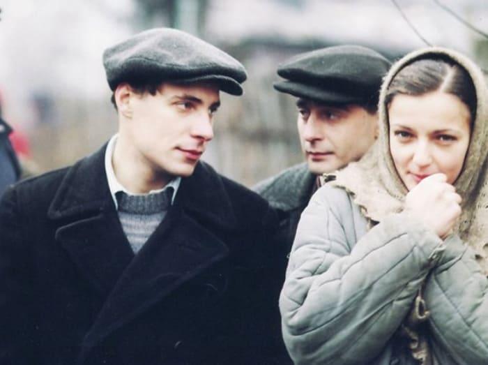 Евгений Цыганов и Ирина Леонова в фильме *Дети Арбата*, 2004 | Фото: kp.ua