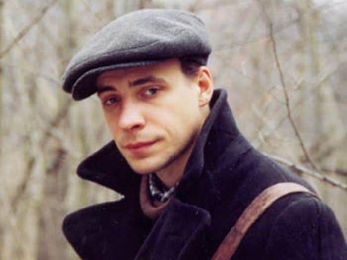 Евгений Цыганов в фильме *Дети Арбата*, 2004 | Фото: lady.tut.by