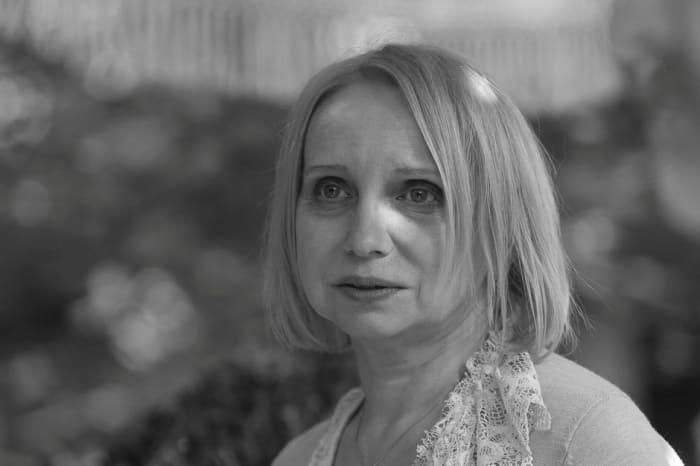 Ирина Мазуркевич в фильме *Три сестры*, 2017 | Фото: kino-teatr.ru