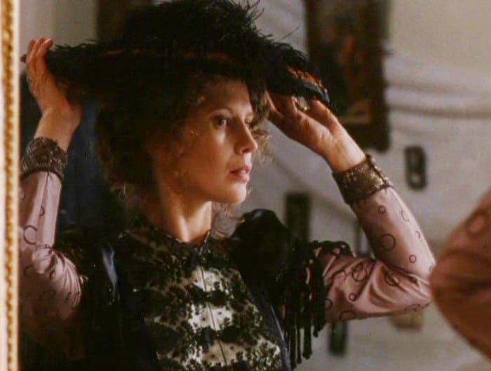 Кадр из фильма *Черная вуаль*, 1995 | Фото: kino-teatr.ru