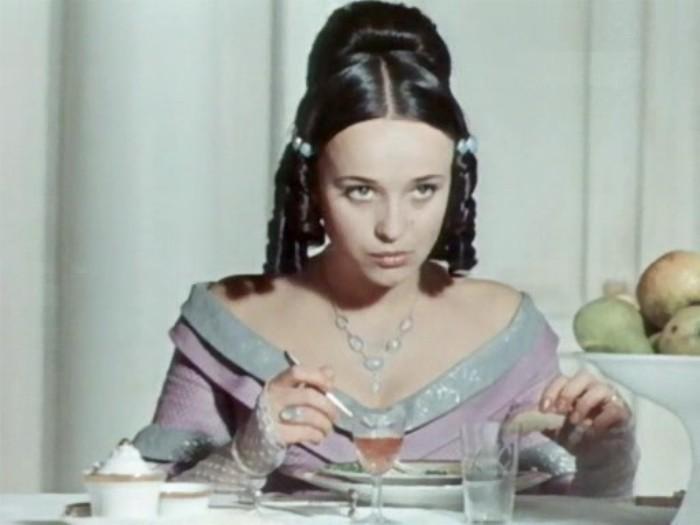 Ирина Печерникова в фильме *Первая любовь*, 1968 | Фото: kino-teatr.ru
