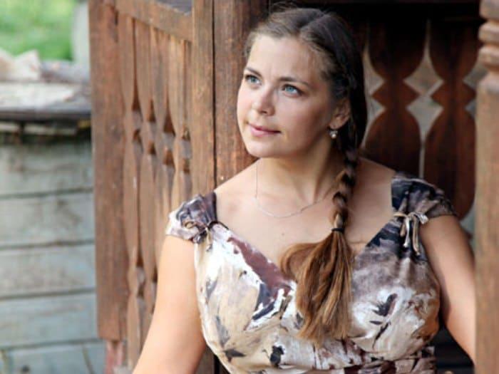 Ирина Пегова в сериале *Варенька. И в горе, и в радости*, 2010 | Фото: kino-teatr.ru