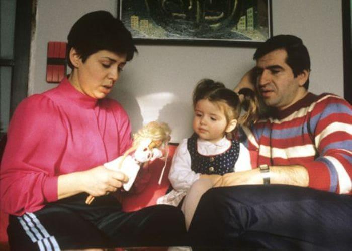 Фигуристка со вторым мужем и дочерью | Фото: uznayvse.ru