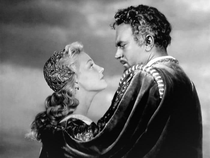 Сергей Бондарчук и Ирина Скобцева в фильме *Отелло*, 1955 | Фото: kino-teatr.ru