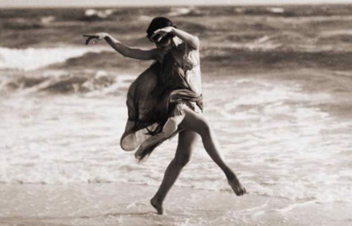 Знаменитая танцовщица Айседора Дункан | Фото: newsland.com