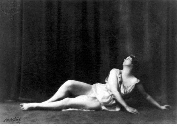 Родоначальница *свободного танца* Айседора Дункан | Фото: idvm.eu5.org
