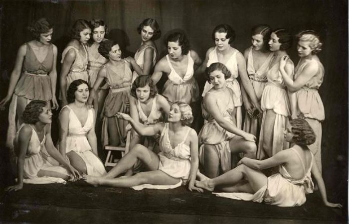 Ученицы Школы танца Айседоры Дункан, Москва, 1923 г.   Фото: idvm.eu5.org