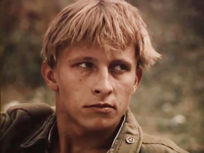 Иван Охлобыстин в фильме *Нога*, 1991 | Фото: kino-teatr.ru