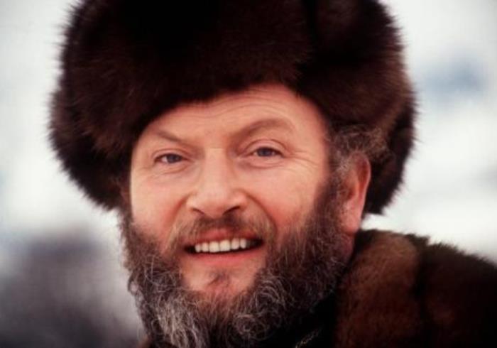 Исполнитель русских песен с уникальным голосом в 4,5 октавы | Фото: mump3.ru