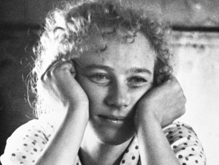 Ия Саввина в фильме *История Аси Клячиной, которая любила, да не вышла замуж*, 1966 | Фото: kino-teatr.ru