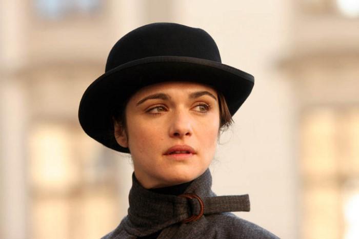 Актриса Рэйчел Вайс, воплотившая образ Джеймса Бэрри в кино | Фото: superiorpics.com
