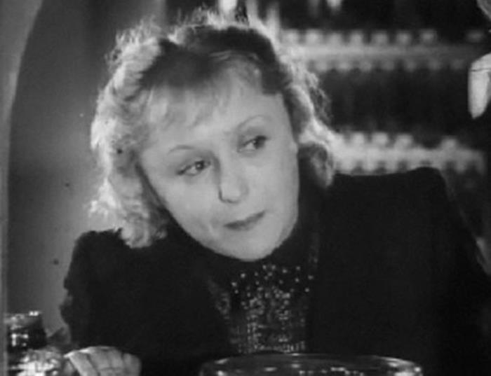 Кадр из фильма *Приключения Корзинкиной*, 1941 | Фото: kino-teatr.ru