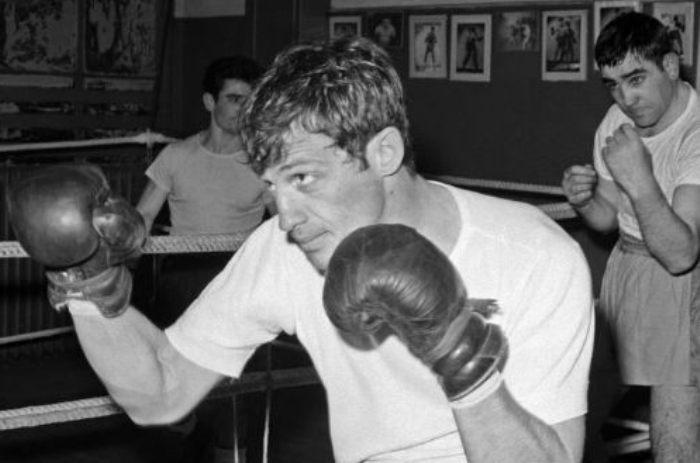 В юности Бельмондо всерьез увлекался боксом | Фото: uznayvse.ru