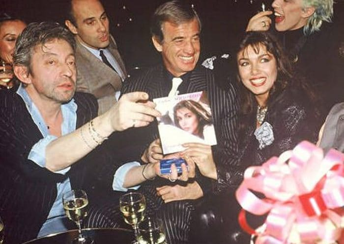 Актер с Марией Карлос Сотомайор и Сержем Гинсбургом, 1985 | Фото: uznayvse.ru