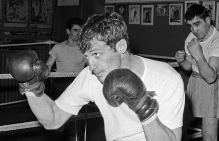 Чемпион Парижа по боксу в полусреднем весе | Фото: uznayvse.ru