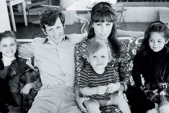 Актер с первой женой и детьми | Фото: uznayvse.ru