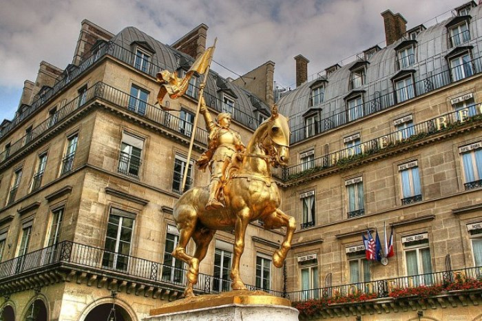 Памятник Жанне д'Арк в Париже | Фото: parisgid.ru