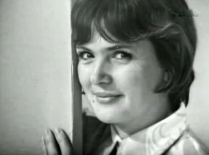 Джемма Осмоловская в спектакле *Стихи Агнии Барто*, 1972 | Фото: kino-teatr.ru