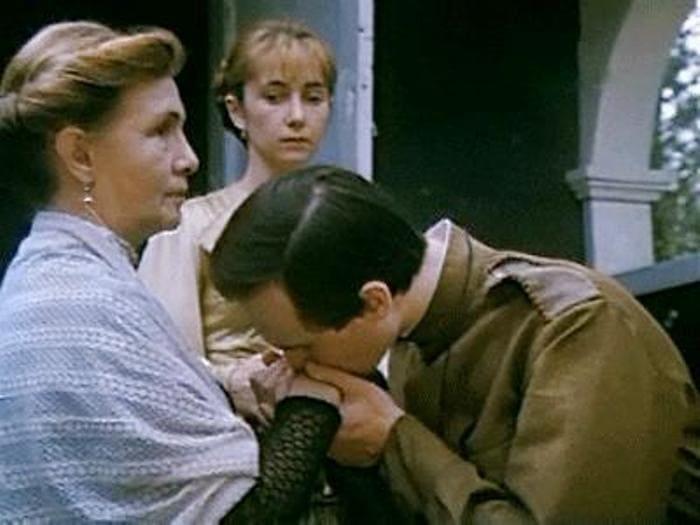 Кадр из фильма *Посвящение в любовь*, 1994 | Фото: kino-teatr.ru