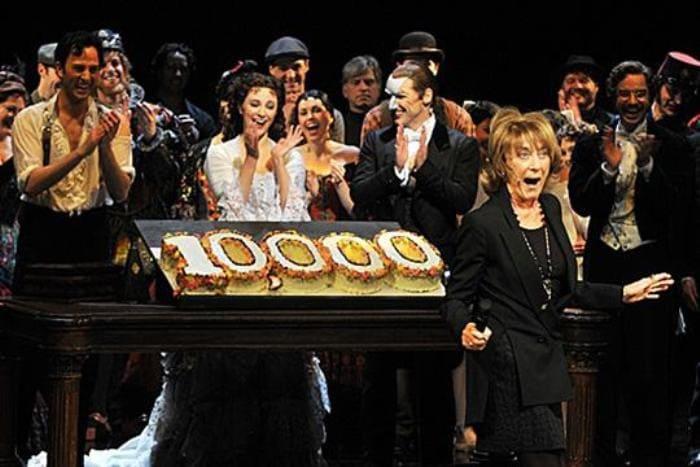 Десятитысячное представление мюзикла *Призрак оперы* на Бродвее, 2012 | Фото: babr24.net