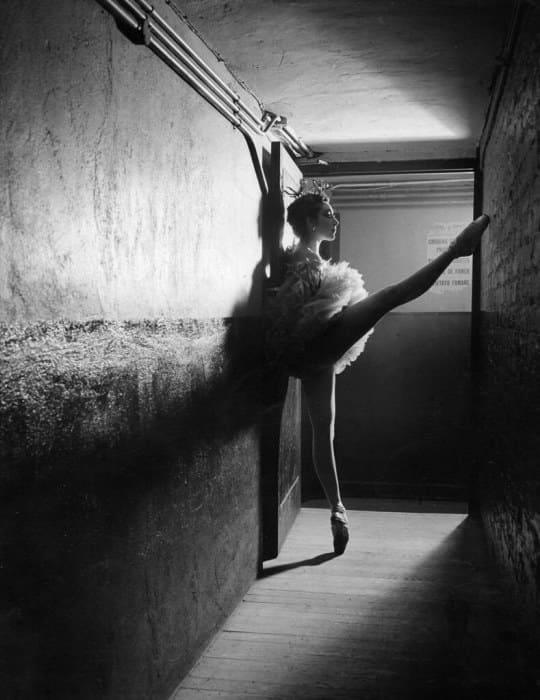 Танцовщица в 1949 г. | Фото: dsal.kh.ua