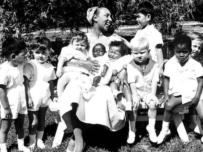 Жозефина Бейкер с приемными детьми   Фото: izuminki.com