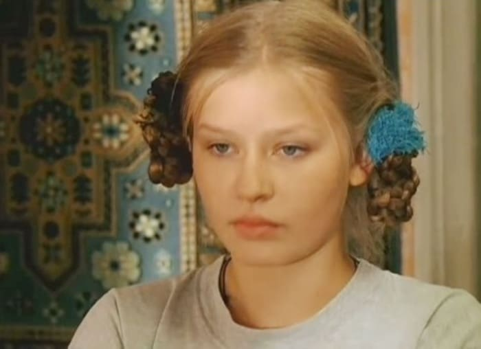 Юлия Пересильд в сериале *Участок*, 2003   Фото: kino-teatr.ru