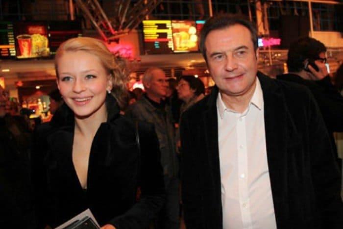 Юлия Пересильд и Алексей Учитель   Фото: biografii.net