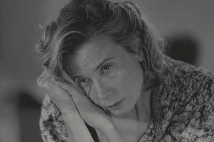 Юлия Высоцкая в фильме *Рай*, 2016 | Фото: kino-teatr.ru
