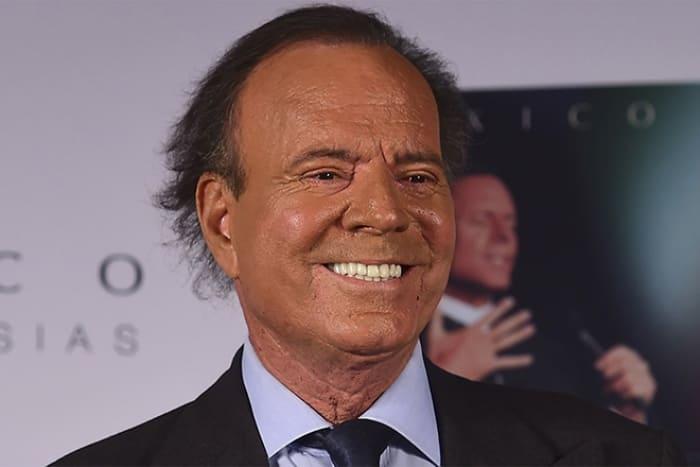 Легендарный испанский певец | Фото: 24smi.org